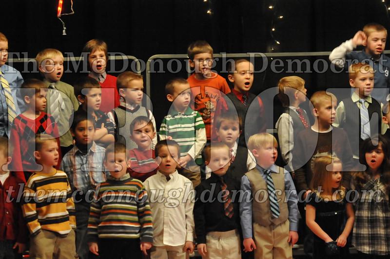 Elem K & 1st gr Christmas Choral Concert 021