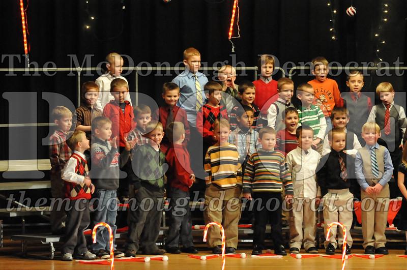 Elem K & 1st gr Christmas Choral Concert 005