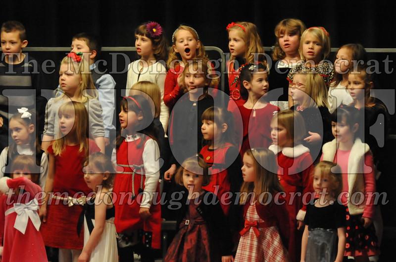 Elem K & 1st gr Christmas Choral Concert 017