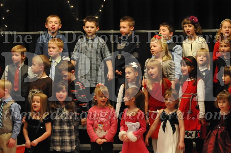 Elem K & 1st gr Christmas Choral Concert 018