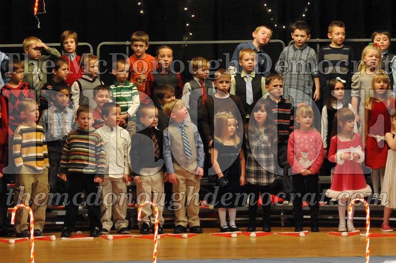 Elem K & 1st gr Christmas Choral Concert 024