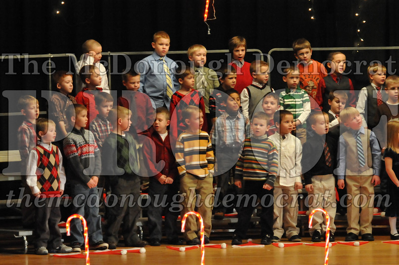 Elem K & 1st gr Christmas Choral Concert 022