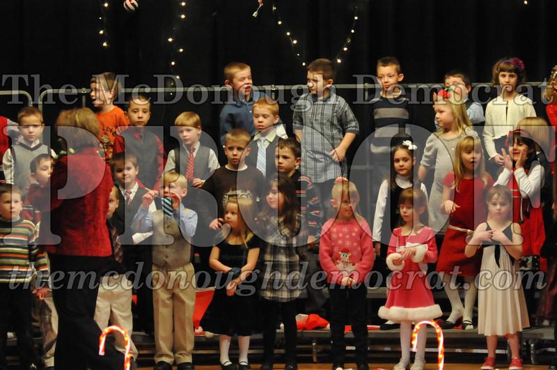 Elem K & 1st gr Christmas Choral Concert 012