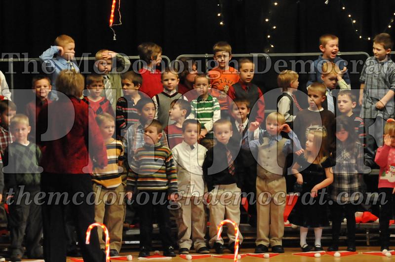 Elem K & 1st gr Christmas Choral Concert 014