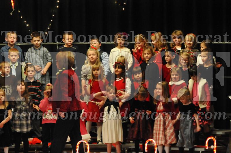 Elem K & 1st gr Christmas Choral Concert 010