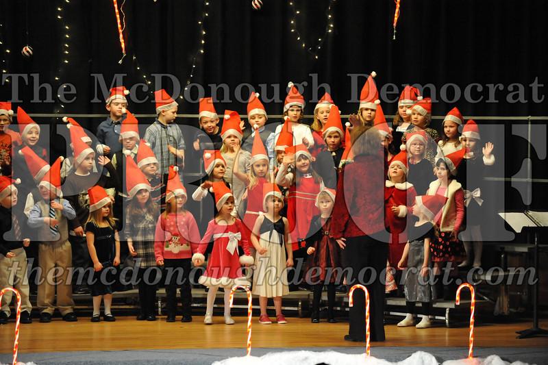 Elem K & 1st gr Christmas Choral Concert 033