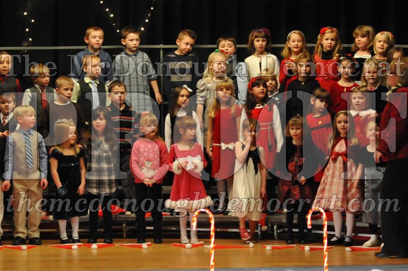 Elem K & 1st gr Christmas Choral Concert 023
