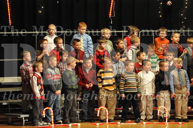 Elem K & 1st gr Christmas Choral Concert 025
