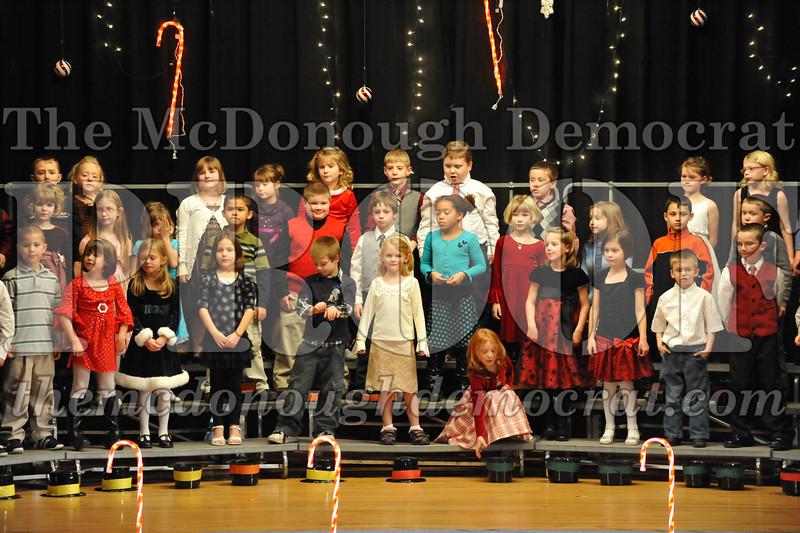 Elem K & 1st gr Christmas Choral Concert 049