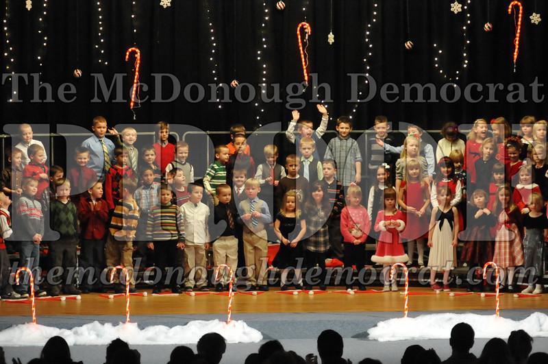 Elem K & 1st gr Christmas Choral Concert 008