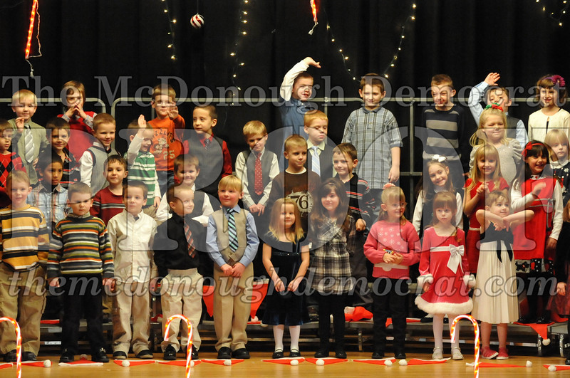 Elem K & 1st gr Christmas Choral Concert 006
