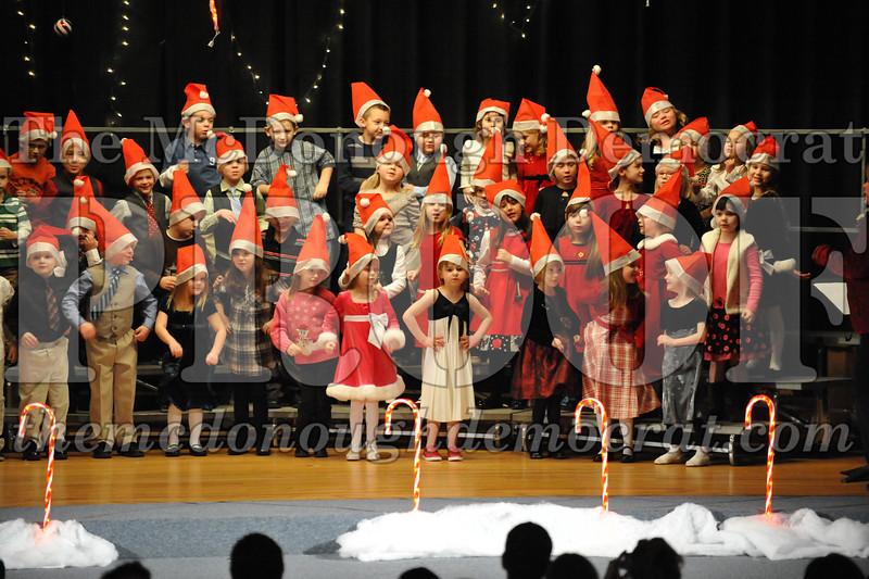 Elem K & 1st gr Christmas Choral Concert 029