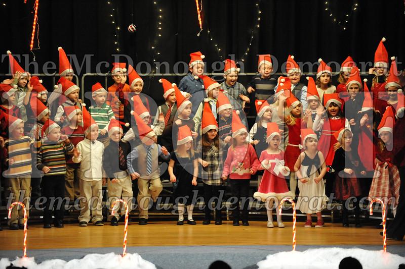 Elem K & 1st gr Christmas Choral Concert 034