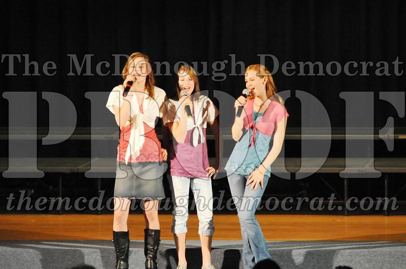 HS Chorus Variety Show 10-13-10 069