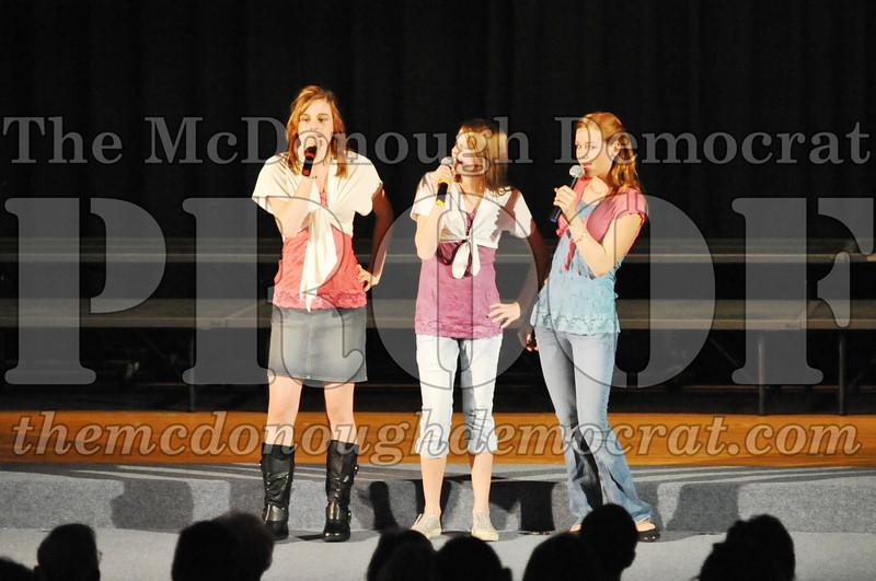 HS Chorus Variety Show 10-13-10 060