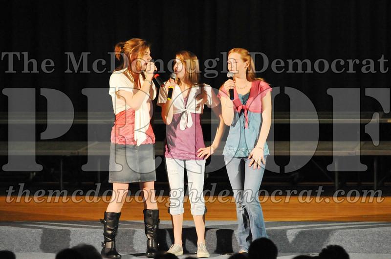 HS Chorus Variety Show 10-13-10 067