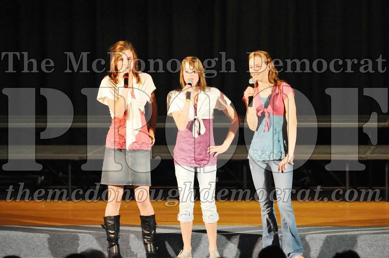 HS Chorus Variety Show 10-13-10 058