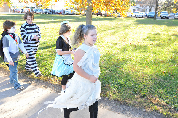 Halloween Parade at BPC Elementary 10-27-10 029