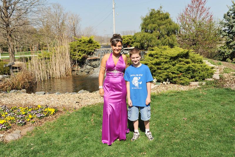 Prom Pics Before Promenade 04-09-10 027