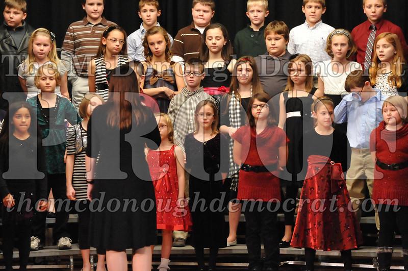 Elem 4-5th gr Christmas Choral Program 12-13-11 036