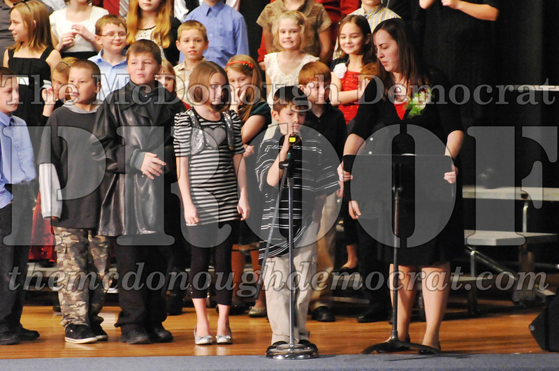Elem 4-5th gr Christmas Choral Program 12-13-11 029