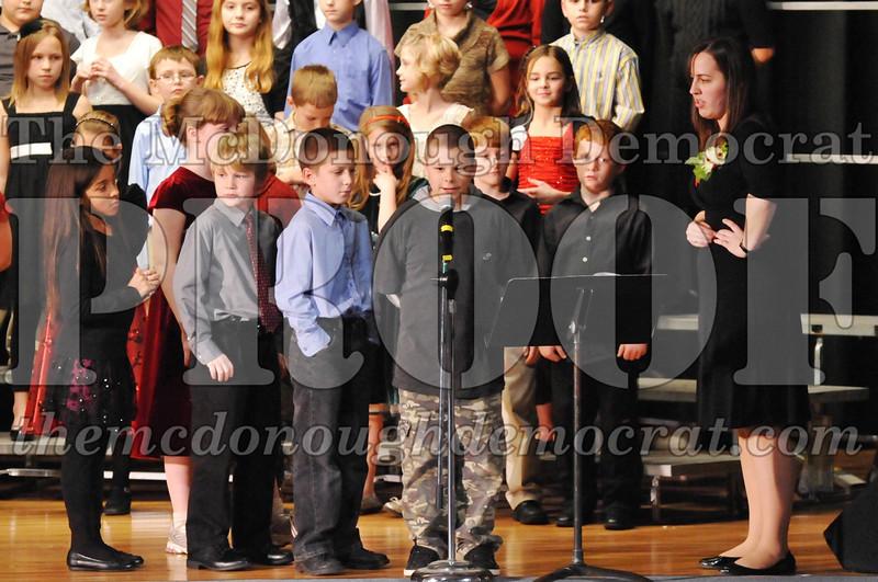 Elem 4-5th gr Christmas Choral Program 12-13-11 032
