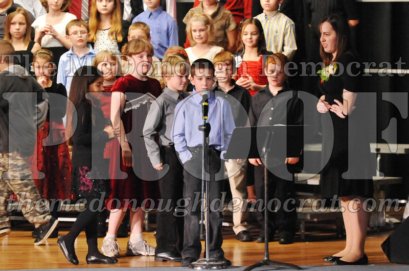 Elem 4-5th gr Christmas Choral Program 12-13-11 033
