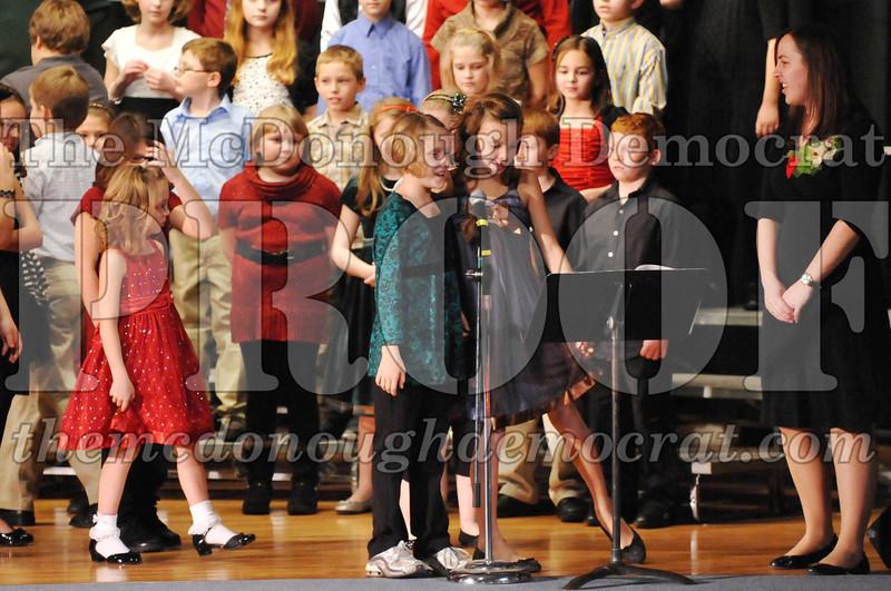 Elem 4-5th gr Christmas Choral Program 12-13-11 054