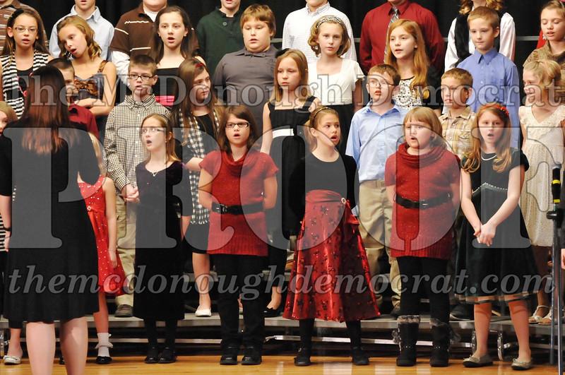 Elem 4-5th gr Christmas Choral Program 12-13-11 039