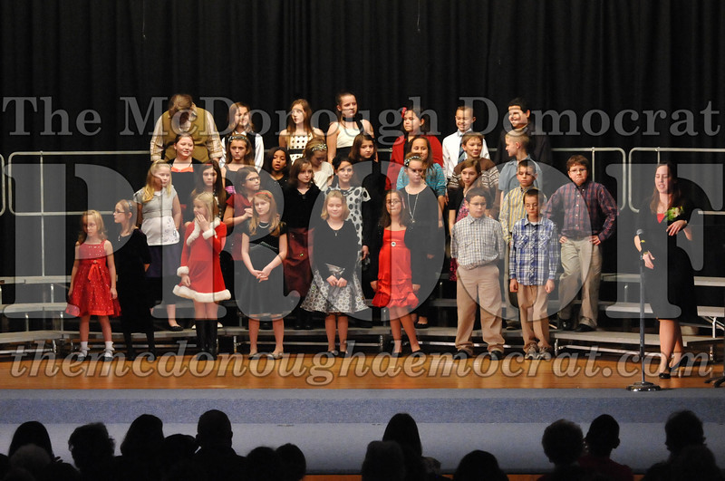 Elem 4-5th gr Christmas Choral Program 12-13-11 028