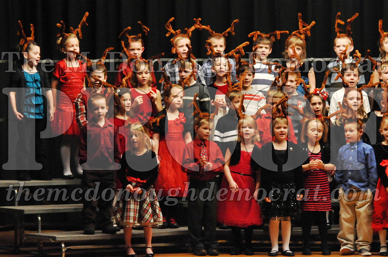 Elem K-1st gr Christmas Choral Program 12-13-11 048