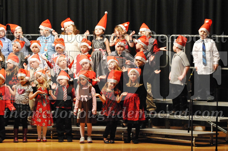 Elem K-1st gr Christmas Choral Program 12-13-11 021