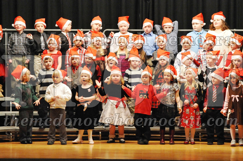 Elem K-1st gr Christmas Choral Program 12-13-11 023