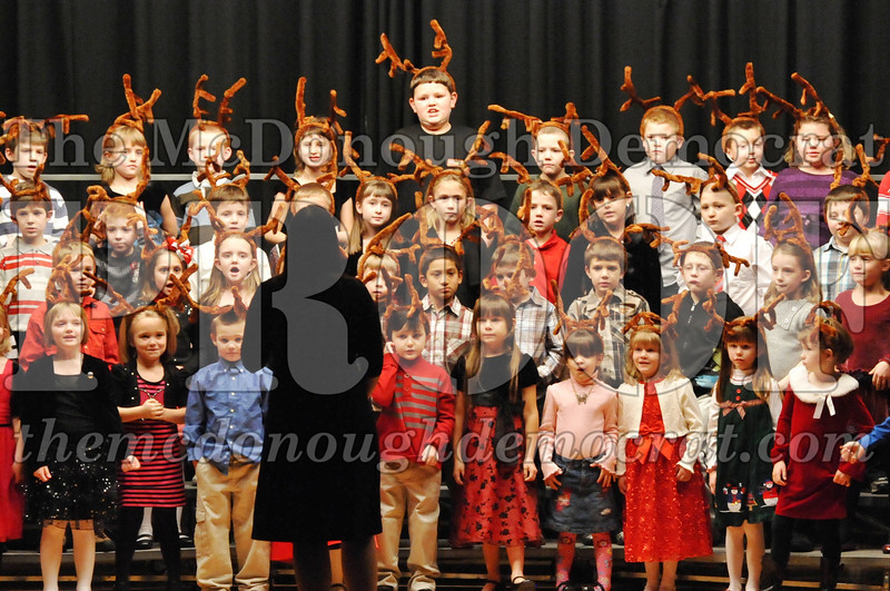 Elem K-1st gr Christmas Choral Program 12-13-11 056