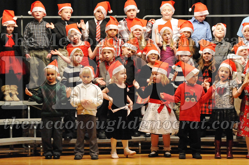 Elem K-1st gr Christmas Choral Program 12-13-11 016