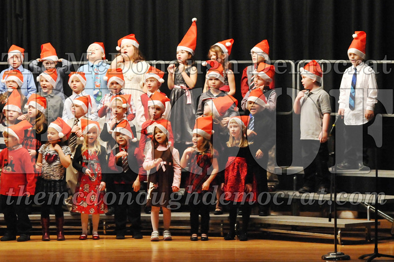 Elem K-1st gr Christmas Choral Program 12-13-11 025