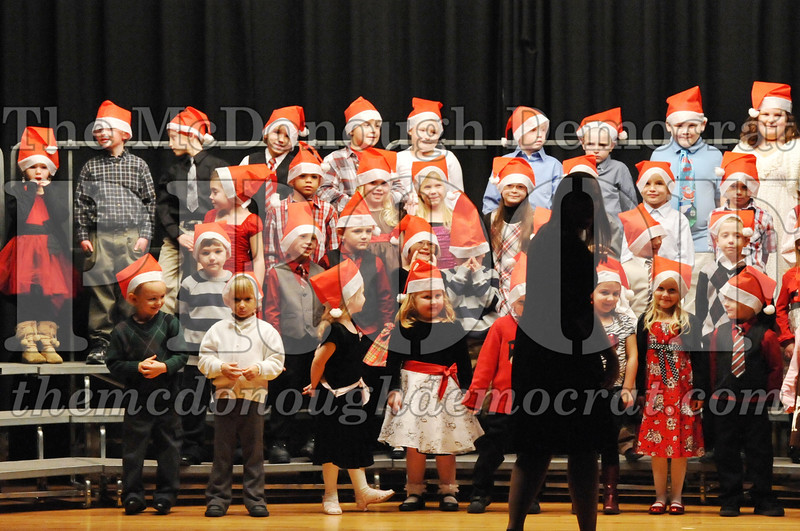 Elem K-1st gr Christmas Choral Program 12-13-11 010