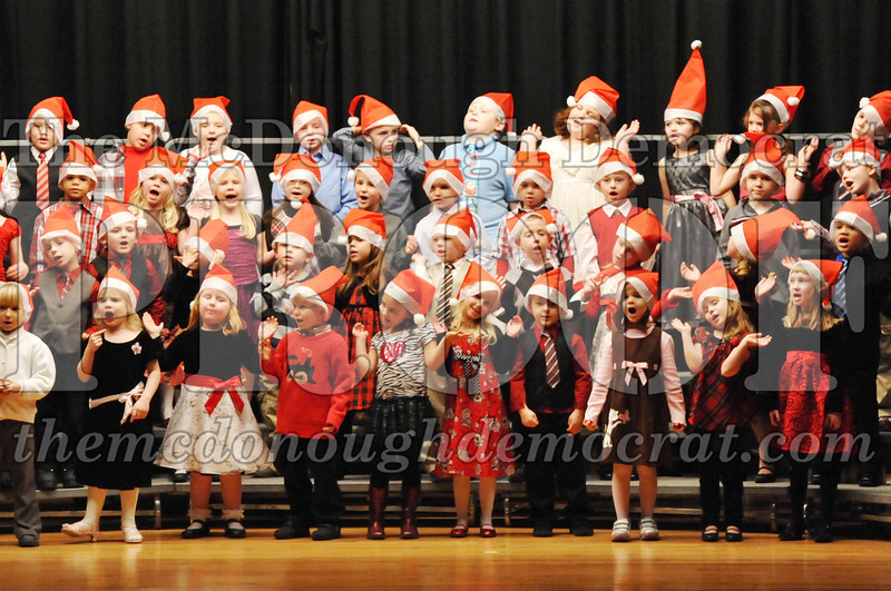 Elem K-1st gr Christmas Choral Program 12-13-11 026