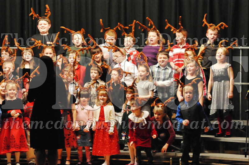 Elem K-1st gr Christmas Choral Program 12-13-11 055