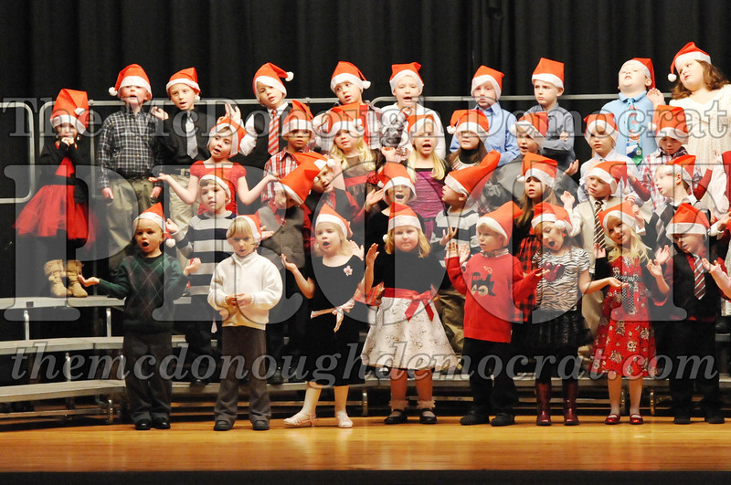 Elem K-1st gr Christmas Choral Program 12-13-11 028