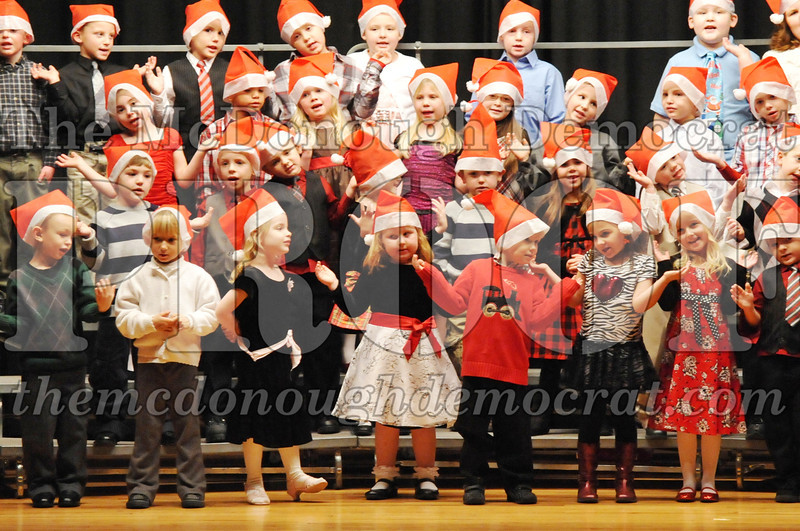 Elem K-1st gr Christmas Choral Program 12-13-11 015