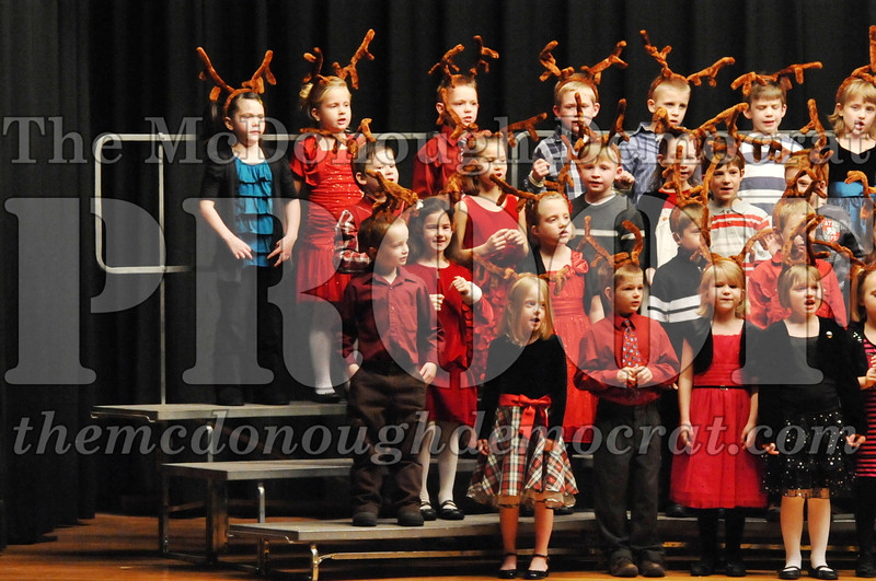 Elem K-1st gr Christmas Choral Program 12-13-11 039