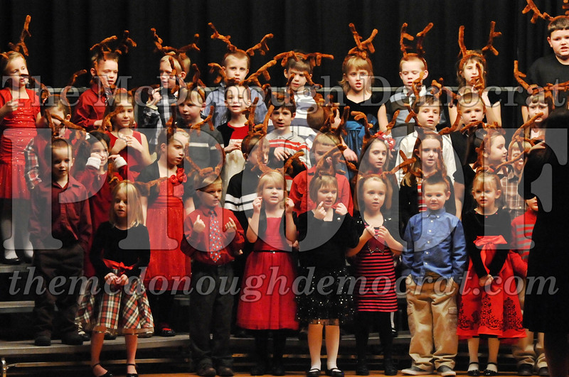 Elem K-1st gr Christmas Choral Program 12-13-11 047