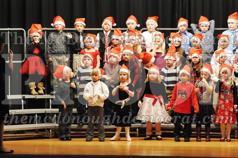 Elem K-1st gr Christmas Choral Program 12-13-11 024