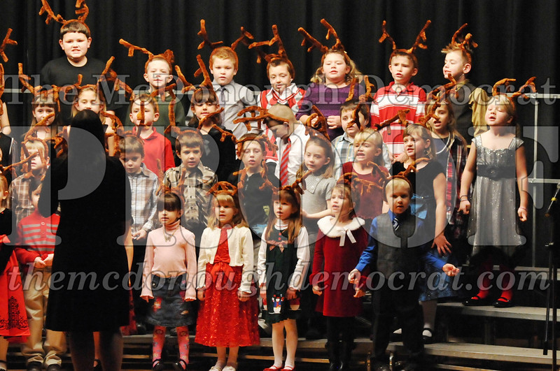Elem K-1st gr Christmas Choral Program 12-13-11 043