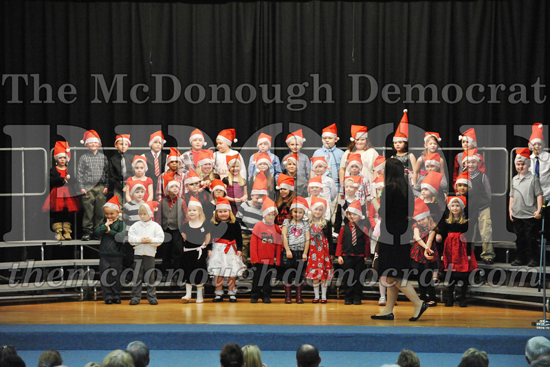 Elem K-1st gr Christmas Choral Program 12-13-11 002