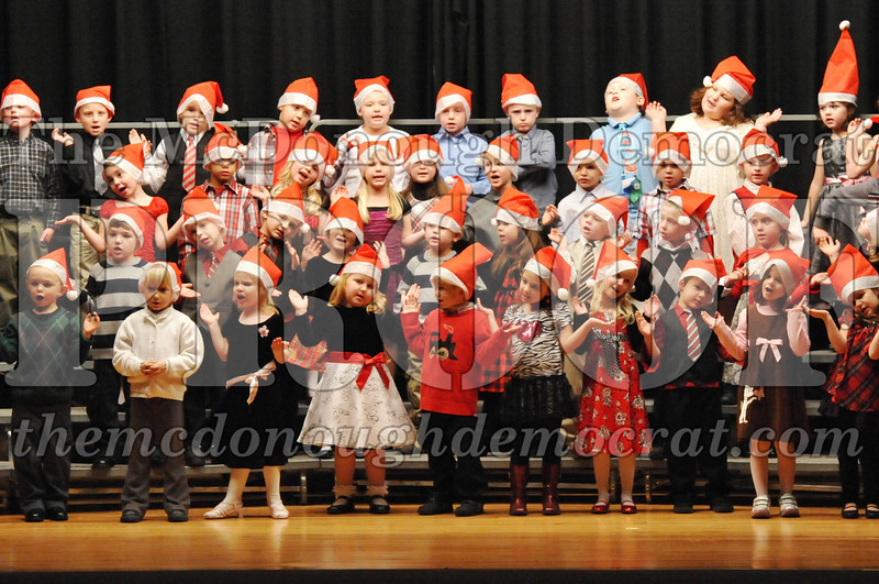 Elem K-1st gr Christmas Choral Program 12-13-11 027