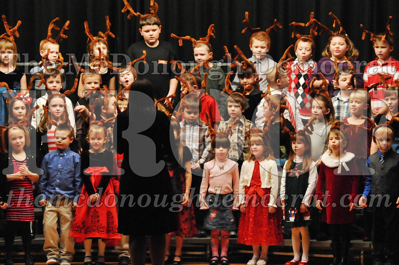 Elem K-1st gr Christmas Choral Program 12-13-11 045