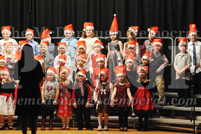 Elem K-1st gr Christmas Choral Program 12-13-11 012