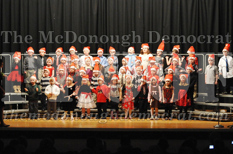 Elem K-1st gr Christmas Choral Program 12-13-11 029